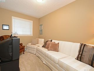 Photo 15: 4001 Santa Rosa Pl in VICTORIA: SW Strawberry Vale House for sale (Saanich West)  : MLS®# 780186