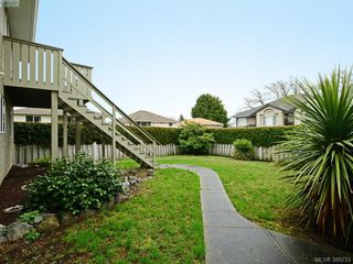Photo 16: 4001 Santa Rosa Pl in VICTORIA: SW Strawberry Vale House for sale (Saanich West)  : MLS®# 780186