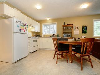 Photo 20: 4001 Santa Rosa Pl in VICTORIA: SW Strawberry Vale House for sale (Saanich West)  : MLS®# 780186