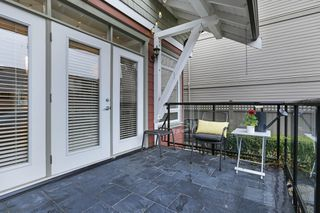Photo 11: 229 E 17TH Street in North Vancouver: Central Lonsdale House 1/2 Duplex for sale : MLS®# R2252507
