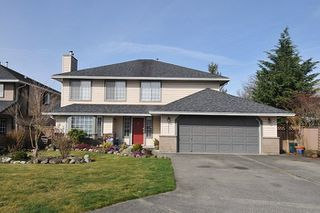 Photo 1: 18827 CHARNLEY Court in Pitt Meadows: Central Meadows House for sale : MLS®# R2253982