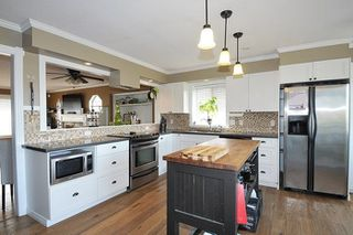 Photo 6: 18827 CHARNLEY Court in Pitt Meadows: Central Meadows House for sale : MLS®# R2253982