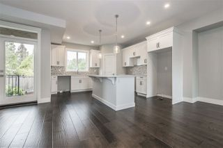 "Photo 3: 25 4295 OLD CLAYBURN Road in Abbotsford: Abbotsford East House for sale in ""SUNSPRING ESTATES"" : MLS®# R2303452"