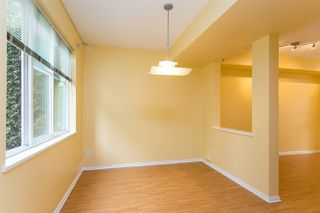 "Photo 5: 68 6465 184A Street in Surrey: Cloverdale BC Townhouse for sale in ""Rosebury Lane"" (Cloverdale)  : MLS®# R2306057"