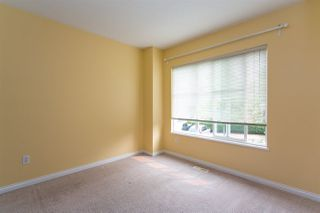 "Photo 14: 68 6465 184A Street in Surrey: Cloverdale BC Townhouse for sale in ""Rosebury Lane"" (Cloverdale)  : MLS®# R2306057"