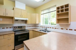 "Photo 3: 68 6465 184A Street in Surrey: Cloverdale BC Townhouse for sale in ""Rosebury Lane"" (Cloverdale)  : MLS®# R2306057"
