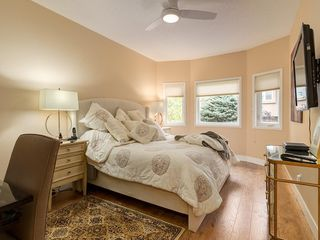 Photo 16: 27 SHANNON ESTATES Terrace SW in Calgary: Shawnessy Semi Detached for sale : MLS®# C4205904