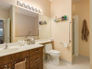 Photo 18: 27 SHANNON ESTATES Terrace SW in Calgary: Shawnessy Semi Detached for sale : MLS®# C4205904