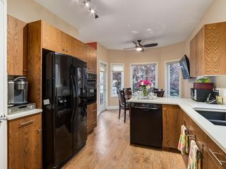 Photo 8: 27 SHANNON ESTATES Terrace SW in Calgary: Shawnessy Semi Detached for sale : MLS®# C4205904