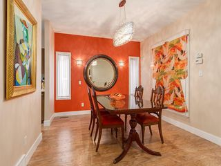 Photo 11: 27 SHANNON ESTATES Terrace SW in Calgary: Shawnessy Semi Detached for sale : MLS®# C4205904