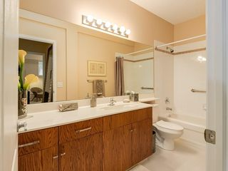 Photo 31: 27 SHANNON ESTATES Terrace SW in Calgary: Shawnessy Semi Detached for sale : MLS®# C4205904
