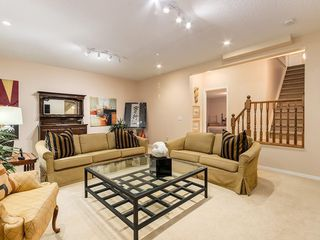 Photo 22: 27 SHANNON ESTATES Terrace SW in Calgary: Shawnessy Semi Detached for sale : MLS®# C4205904