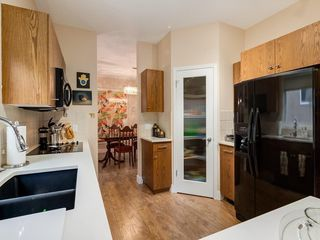 Photo 7: 27 SHANNON ESTATES Terrace SW in Calgary: Shawnessy Semi Detached for sale : MLS®# C4205904