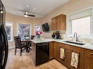 Photo 9: 27 SHANNON ESTATES Terrace SW in Calgary: Shawnessy Semi Detached for sale : MLS®# C4205904