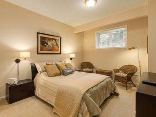 Photo 28: 27 SHANNON ESTATES Terrace SW in Calgary: Shawnessy Semi Detached for sale : MLS®# C4205904