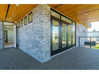 Photo 19: 15690 GOGGS Avenue: White Rock House for sale (South Surrey White Rock)  : MLS®# R2308953