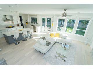 Photo 10: 15690 GOGGS Avenue: White Rock House for sale (South Surrey White Rock)  : MLS®# R2308953