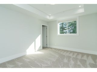 Photo 15: 15690 GOGGS Avenue: White Rock House for sale (South Surrey White Rock)  : MLS®# R2308953