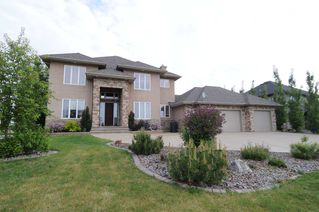 Photo 1: 547 MANOR POINTE Court: Rural Sturgeon County House for sale : MLS®# E4138568