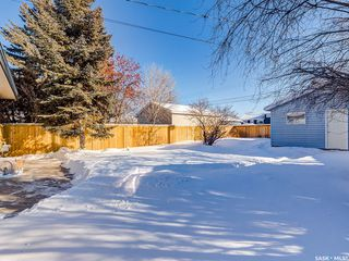 Photo 32: 1917 Louise Avenue in Saskatoon: Holliston Residential for sale : MLS®# SK760375