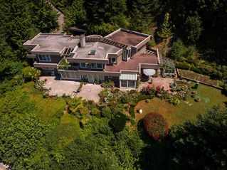 Photo 3: 310 OCEANVIEW Road: Lions Bay House for sale (West Vancouver)  : MLS®# R2344989