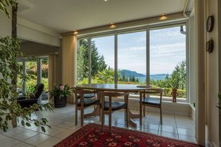 Photo 4: 310 OCEANVIEW Road: Lions Bay House for sale (West Vancouver)  : MLS®# R2344989