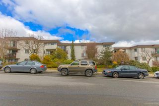 Photo 1: 214 2125 2ND Avenue in Vancouver: Kitsilano Condo for sale (Vancouver West)  : MLS®# R2348335
