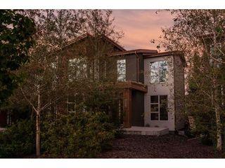 Main Photo: 326 Magrath Boulevard in Edmonton: Zone 14 House for sale : MLS®# E4149204