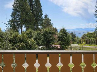 Photo 3: 152 MAHAN Road in Gibsons: Gibsons & Area House for sale (Sunshine Coast)  : MLS®# R2364449