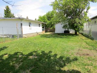 Photo 4: 4914 59 Street: Killam House for sale : MLS®# E4160527