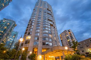"""Main Photo: 1402 738 BROUGHTON Street in Vancouver: West End VW Condo for sale in """"Alberni Place"""" (Vancouver West)  : MLS®# R2383763"""