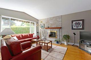 Photo 2: 1687 58 Street in Delta: Beach Grove House for sale (Tsawwassen)  : MLS®# R2385671