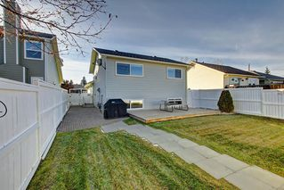 Photo 19: 63 WOODBOROUGH Crescent SW in Calgary: Woodbine Detached for sale : MLS®# C4275508