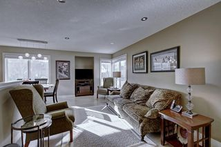 Photo 3: 63 WOODBOROUGH Crescent SW in Calgary: Woodbine Detached for sale : MLS®# C4275508
