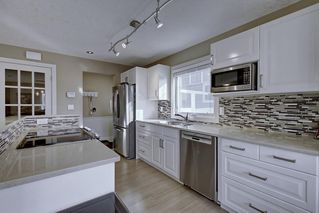 Photo 6: 63 WOODBOROUGH Crescent SW in Calgary: Woodbine Detached for sale : MLS®# C4275508