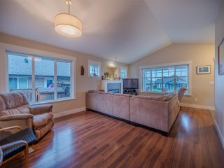 Photo 2: 6250 KEVINS ROAD in Sechelt: Sechelt District House for sale (Sunshine Coast)  : MLS®# R2413408