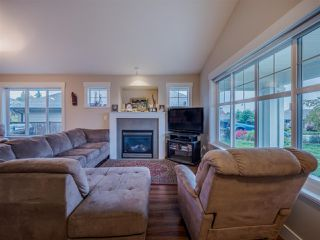Photo 3: 6250 KEVINS ROAD in Sechelt: Sechelt District House for sale (Sunshine Coast)  : MLS®# R2413408