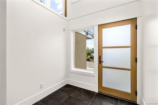 Photo 3: 113 539 Delora Dr in Colwood: Co Royal Bay Row/Townhouse for sale : MLS®# 842858