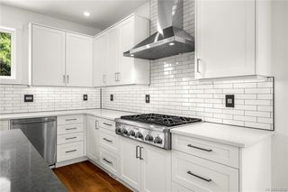 Photo 8: 113 539 Delora Dr in Colwood: Co Royal Bay Row/Townhouse for sale : MLS®# 842858