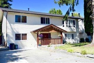 Photo 2: 20845 51B Avenue in Langley: Langley City House for sale : MLS®# R2481065