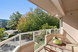 """Photo 16: 202 19241 FORD Road in Pitt Meadows: Central Meadows Condo for sale in """"VILLAGE GREEN"""" : MLS®# R2504429"""