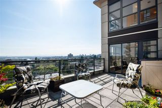 "Photo 2: 804 306 SIXTH Street in New Westminster: Uptown NW Condo for sale in ""Amadeo"" : MLS®# R2505228"