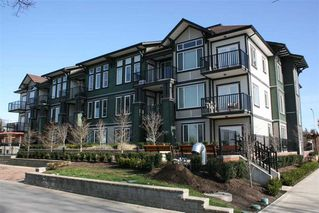 Photo 3: 207 5665 177B STREET in LINGO: Cloverdale BC Home for sale ()  : MLS®# R2044422
