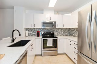 "Photo 9: 402 808 SANGSTER Place in New Westminster: The Heights NW Condo for sale in ""THE BROCKTON"" : MLS®# R2517953"