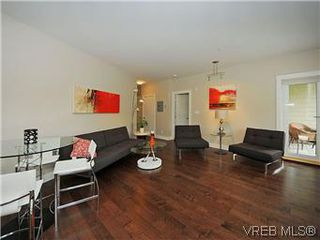 Photo 3: 210 21 Conard St in VICTORIA: VR Hospital Condo for sale (View Royal)  : MLS®# 588596