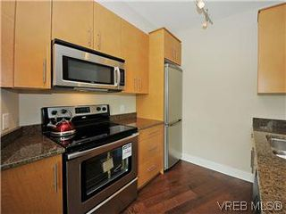 Photo 4: 210 21 Conard St in VICTORIA: VR Hospital Condo for sale (View Royal)  : MLS®# 588596