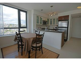 "Photo 2: 1507 1 RENAISSANCE Square in New Westminster: Quay Condo for sale in ""THE Q"" : MLS®# V1033979"