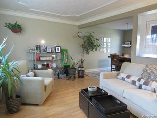 Photo 3: 439 Niagara Street in WINNIPEG: River Heights / Tuxedo / Linden Woods Residential for sale (South Winnipeg)  : MLS®# 1324041