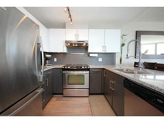 """Photo 7: 1209 14 BEGBIE Street in New Westminster: Quay Condo for sale in """"Inter Urban"""" : MLS®# V1070124"""