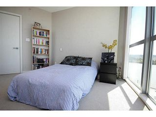 "Photo 12: 1209 14 BEGBIE Street in New Westminster: Quay Condo for sale in ""Inter Urban"" : MLS®# V1070124"